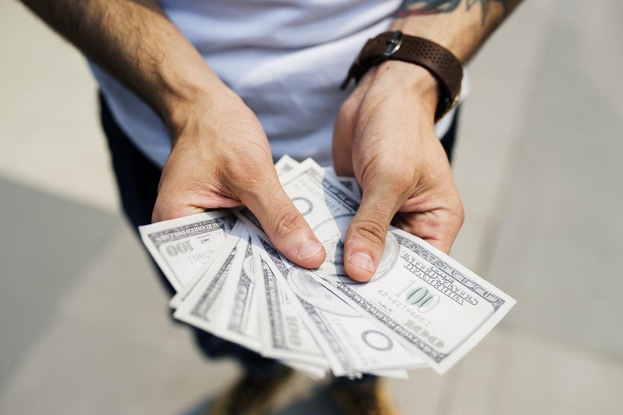 Entenda tudo sobre o valor do dólar no cartão de crédito